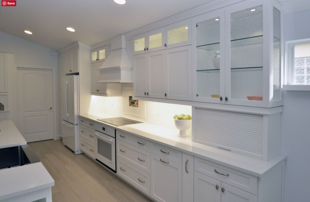LED lights by Da Vinci Cabinetry