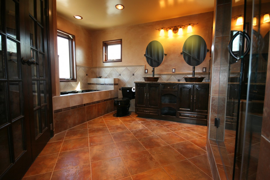 DaVinci Cabinetry Bathroom